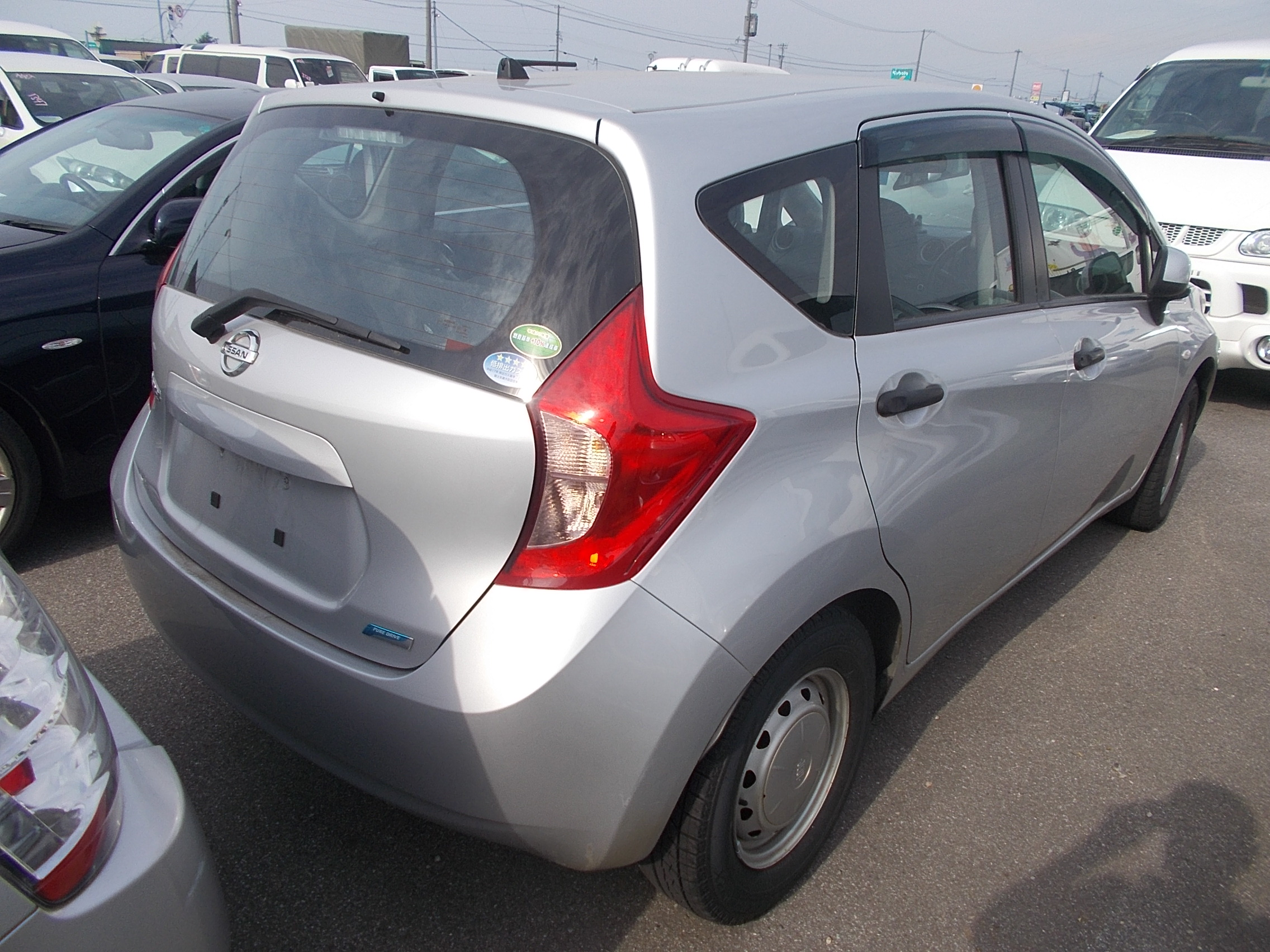 Nissan Note 2013/03 gray E12
